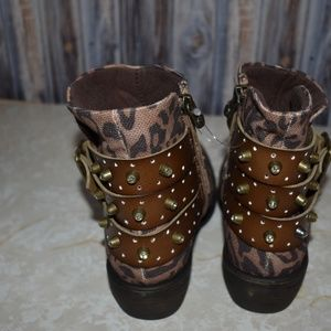 Blowfish Shoes - Blowfish Leopard Booties Boots Bling Sz 6 New